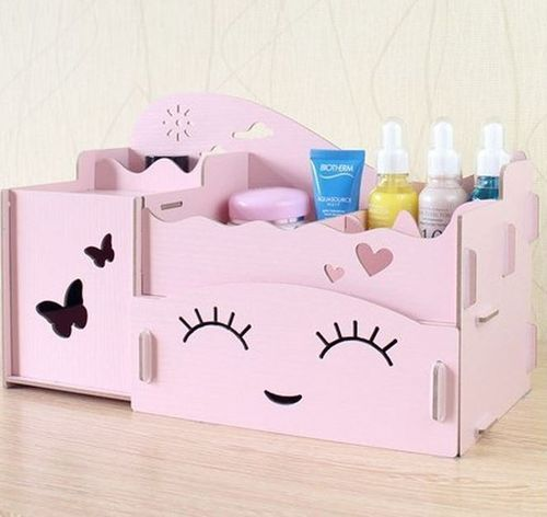 Happy Baby Face Makeup Table